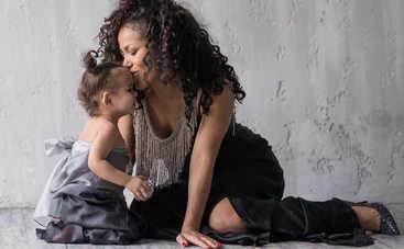 «Я сама научилась меньше баловаться»: украинская певица рассказала, как воспитывает дочь