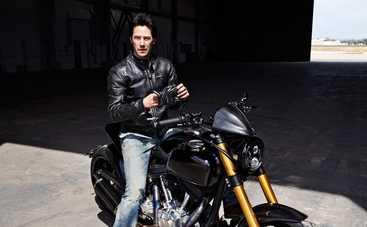 Киану Ривз похвастался своей коллекцией мотоциклов