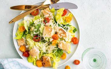 Великолепный салат на скорую руку с сыром и колбасой (рецепт)