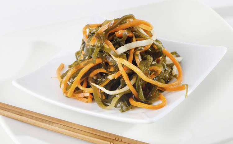 Салат из морской капусты для любителей экзотики (рецепт)