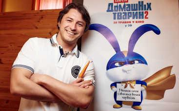 В латексе и на каблуках: Сергей Притула примерил дерзкий образ MARUV