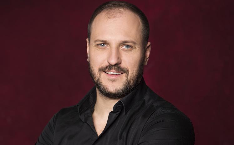 Актер и телеведущий Артем Позняк