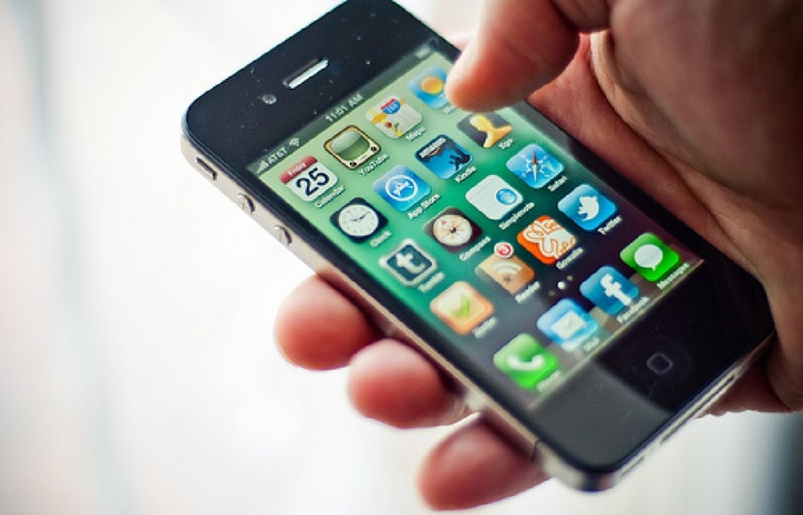 Приватбанк убедил Google Play удалить мошеннический «Универсальный Мобильный Банкинг»
