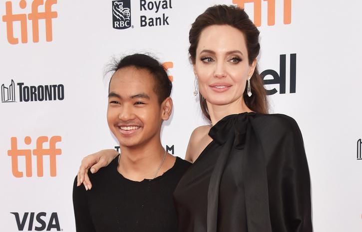 Актриса Анджелина Джоли и ее сын Мэддокс Джоли-Питт