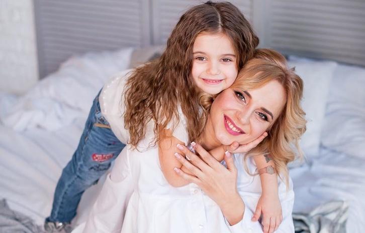 Телеведущая Лилия Ребрик и ее старшая дочь Диана