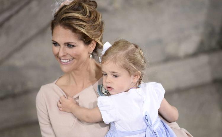Шведская принцесса Леонор с матерью принцессой Мадлен