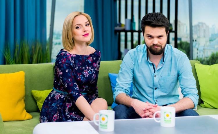 Телеведущие Светлана Катренко и Сергей Зенин
