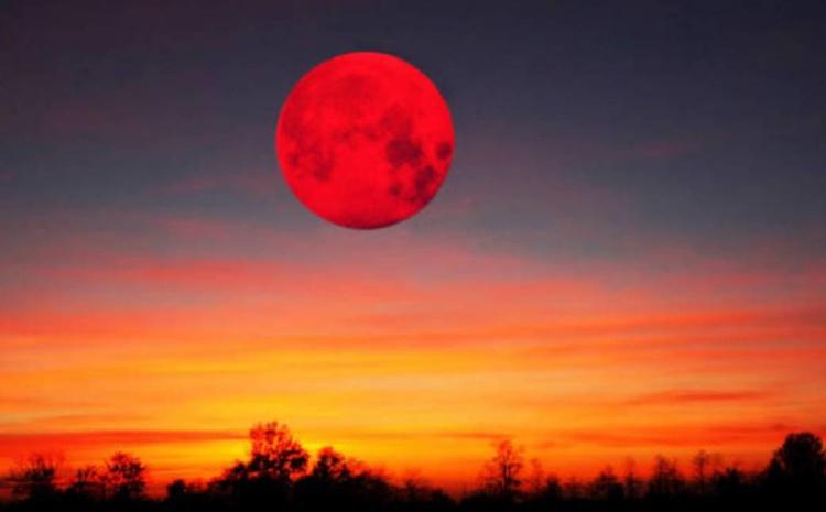 «Кровавое» лунное затмение
