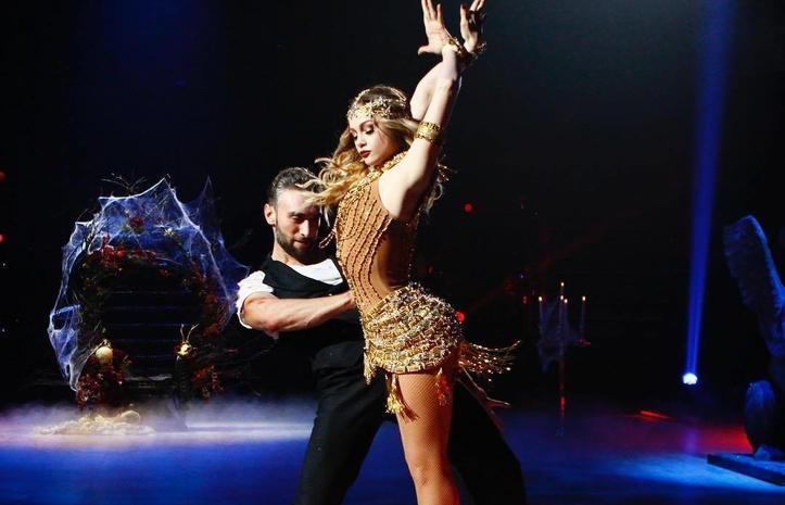 Танцы созвездами— Юлия Сахневич травмировала спину вовремя выступления