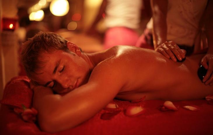Подарок его мечты! 10 золотых правил эротического массажа