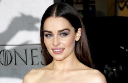 Модный тренд: Эмилия Кларк и другие звезды предпочитают широкие брови (ФОТО)