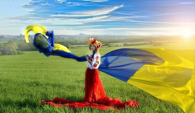Порошенко: Рада небудет голосовать заспецстатус Донбасса 4июля, это ложь