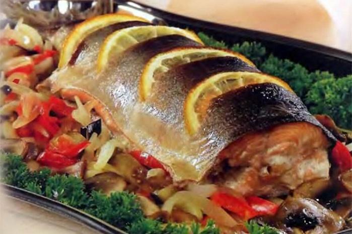 Рыба в фольге с овощами