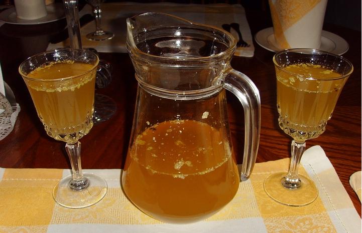 Археологи приготоили медовуху по древнему рецепту