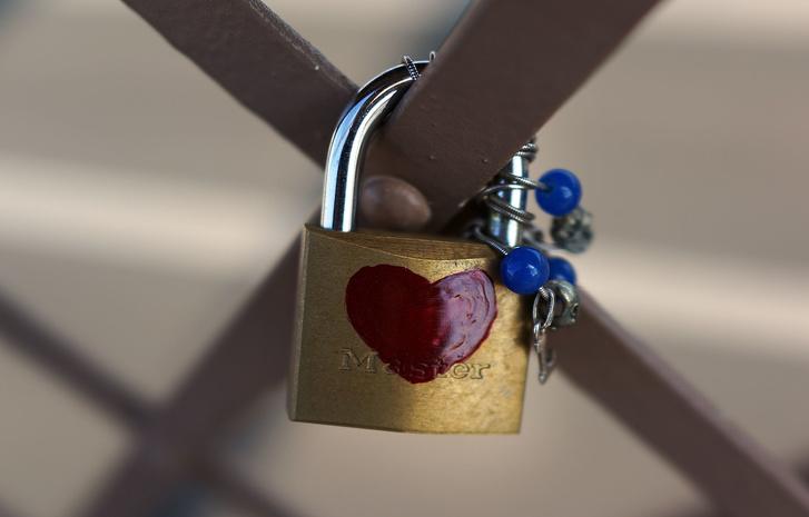 Ученые определили, кто более влюбчив