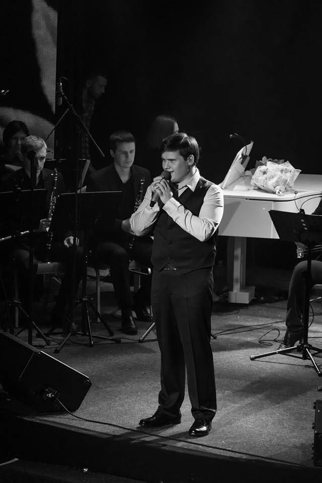 aleksandr-poryadinskiy-otmetil-yubiley-bolshim-solnym-koncertom-3