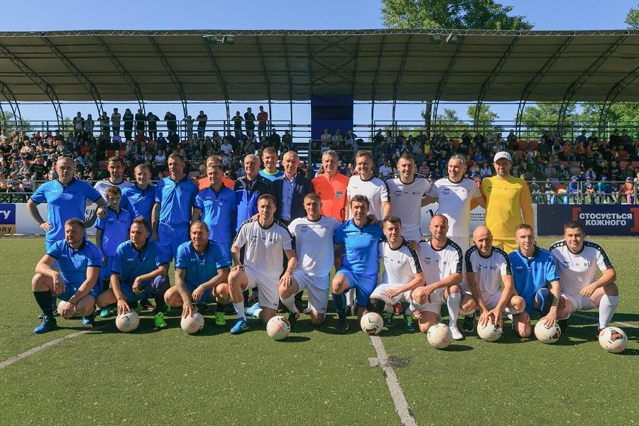 roman-kademin-legendy-igrali-kak-v-finale-chempionata-mira-1