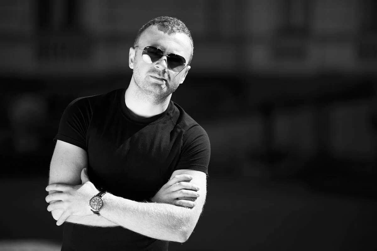 roman-skorpion-vinnik-klassnyy-vokalist-i-ego-populyarnost-nastoyashchaya-1