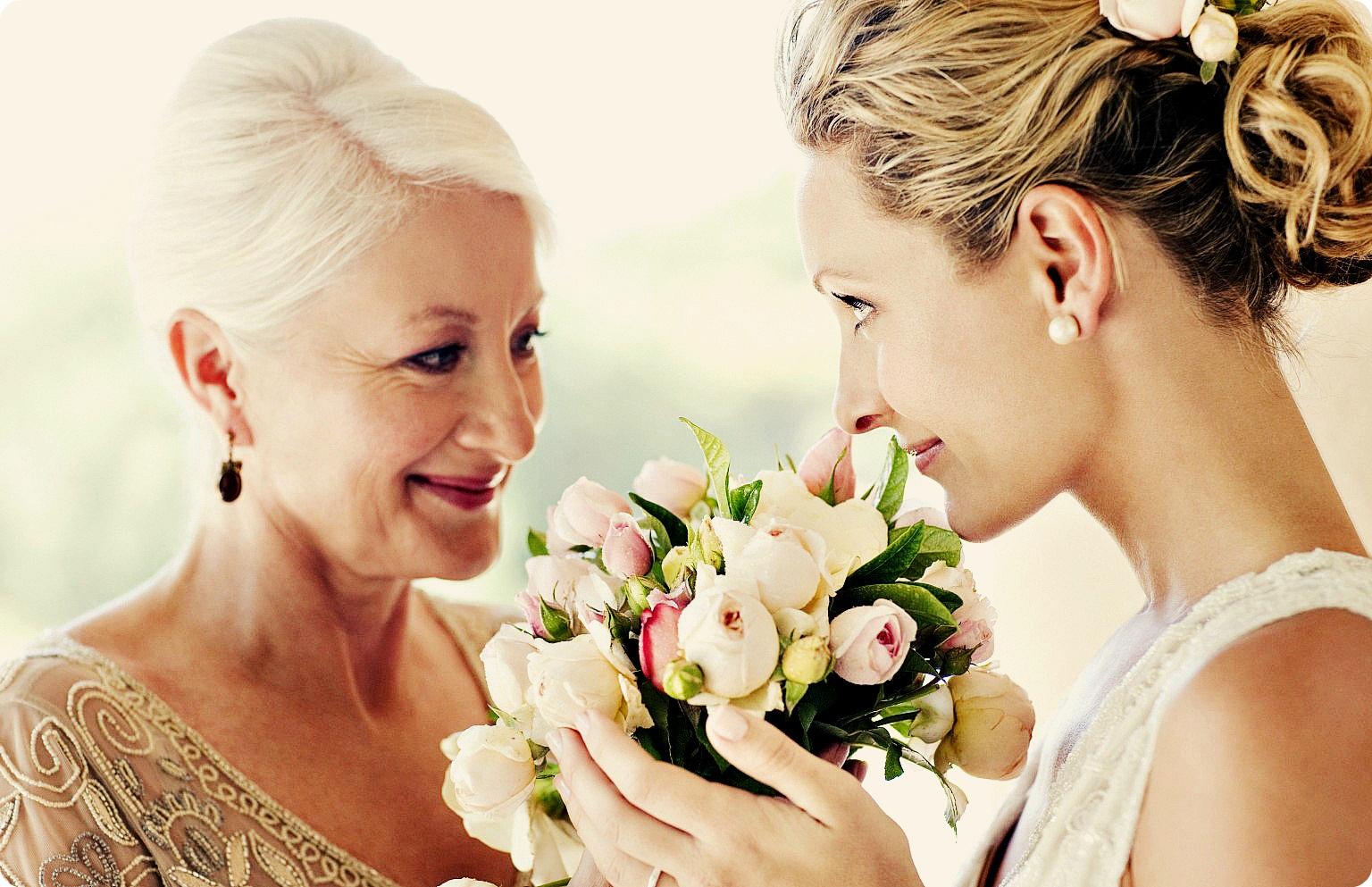 podarite-mame-na-prazdnik-cvety