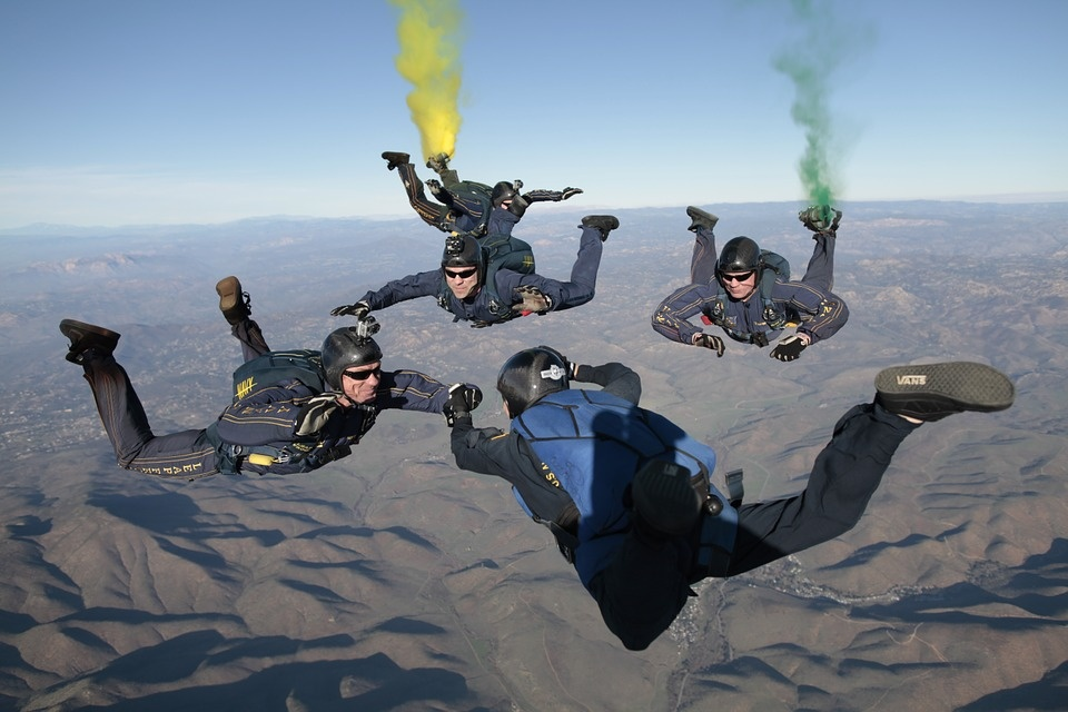 skydiving-603646_960_720