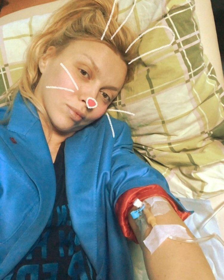 Оля Полякова оказалась в клинике