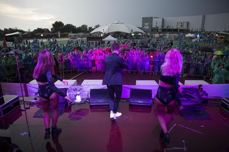 denis-rekonvald-vystupil-na-legendarnom-festivale-slavjanskij-bazar-v-vitebske4