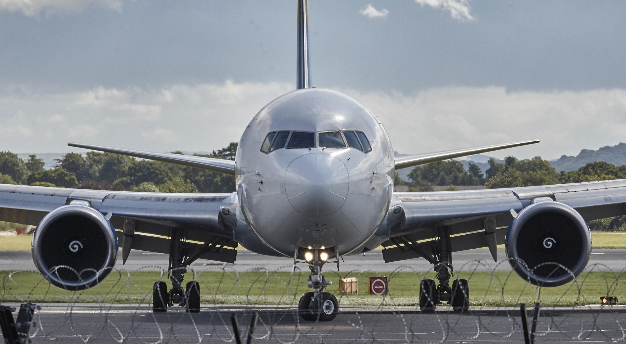 aeroplane-air-travel-aircraft-33281