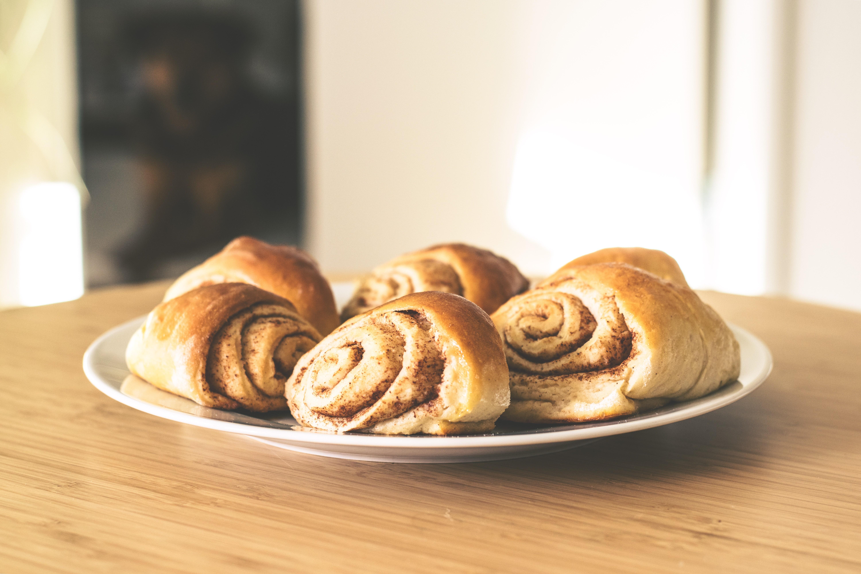 baking-bread-breakfast-351962