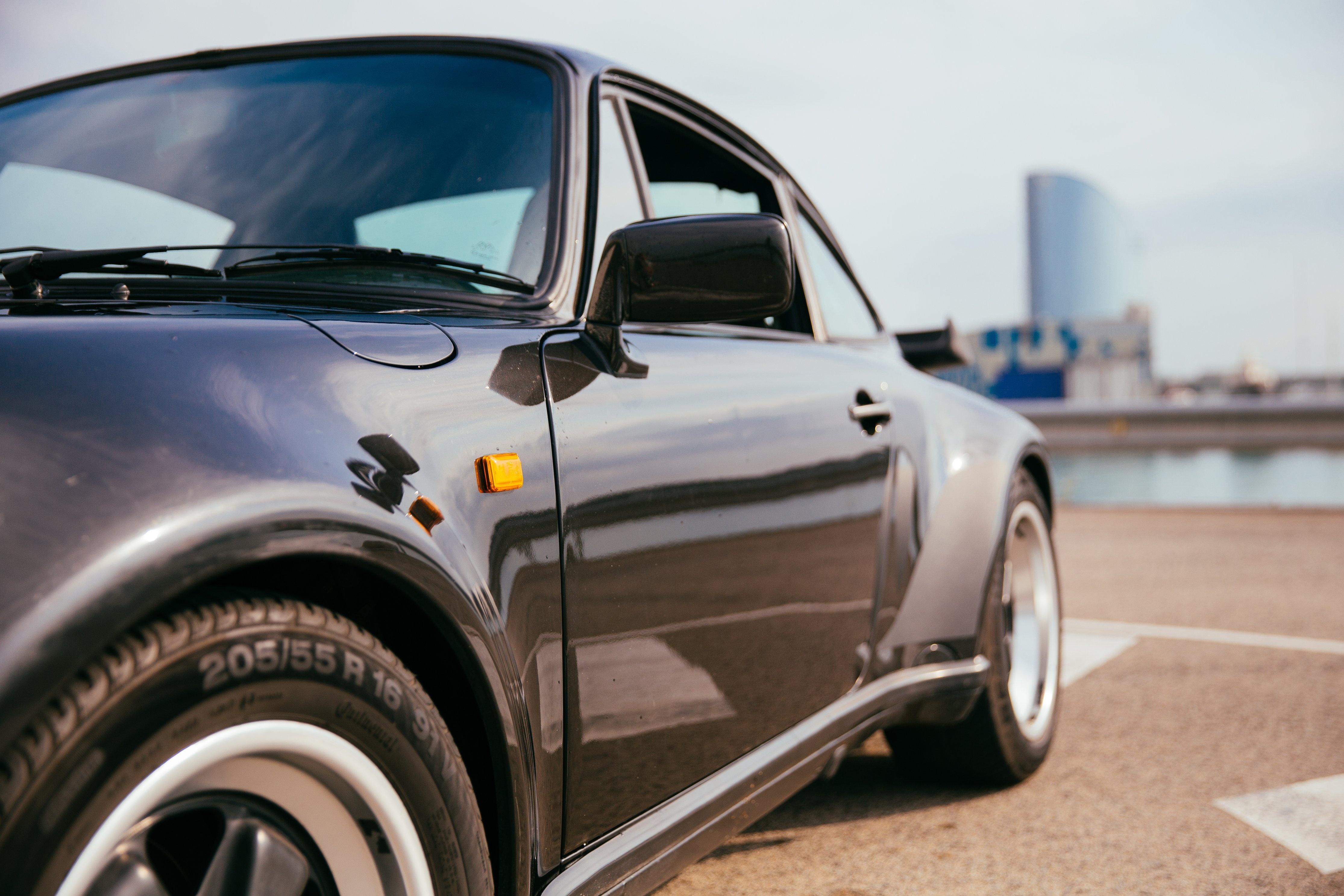 black-sports-car-detail_4460x4460