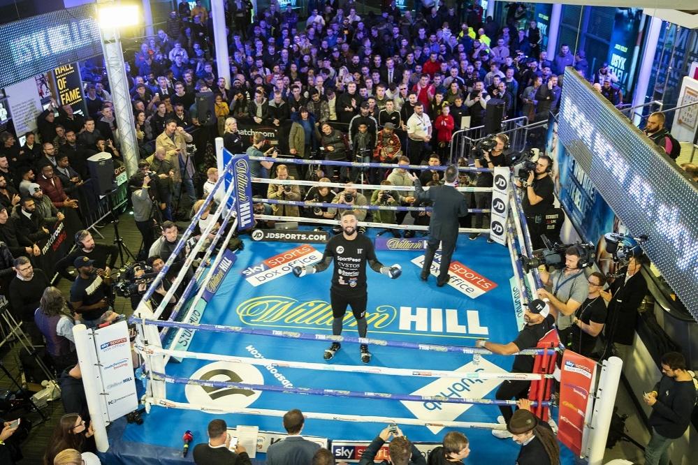 _-2__-_matchroom_boxing_mark_robinson