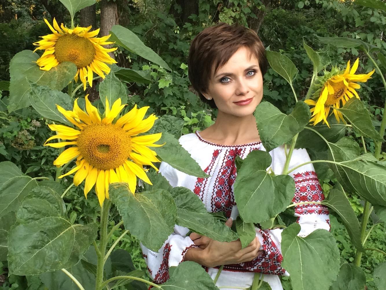 den-vyshivanki-2018-ukrainskie-zvezdy-rasskazali-o-simvole-nacii_11