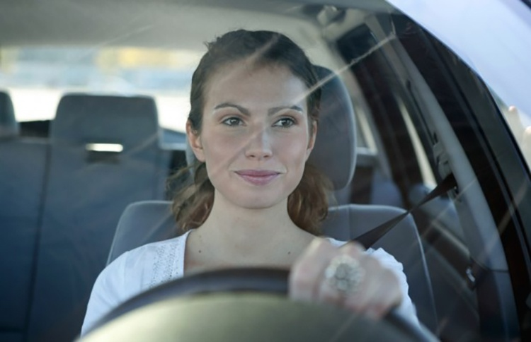 adac-frauen-sind-die-besseren-autofahrer-q08v-620x400_01