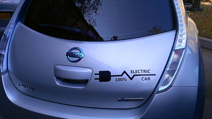electric-car-1718679_1280_