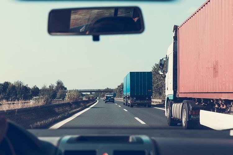 highway-2606937_960_720_