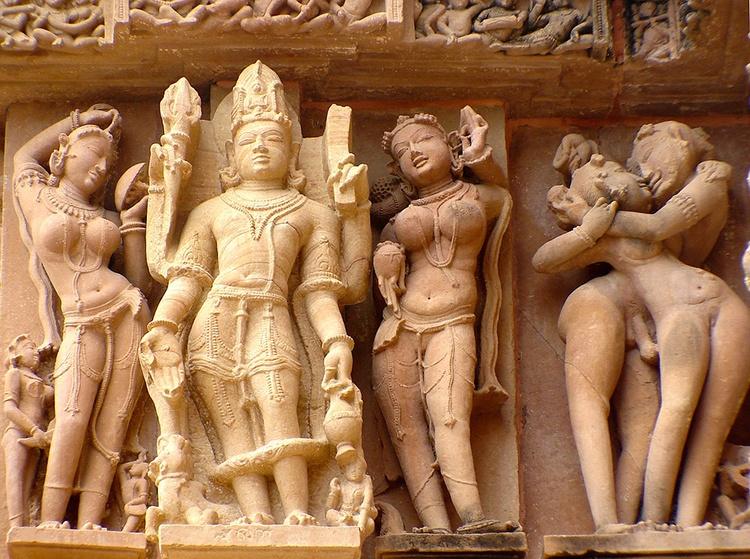 khajuraho-1952716_960_720