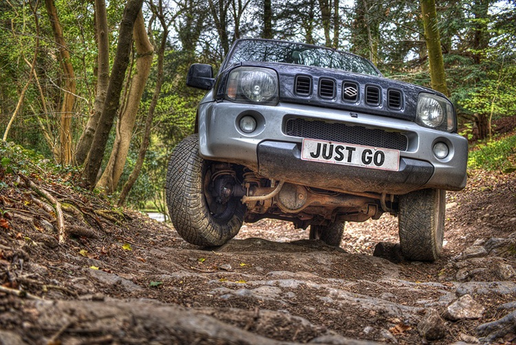 offroad-driving-2496440_960_720_