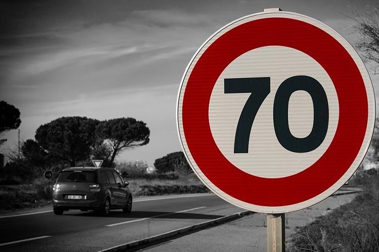 traffic-sign-3008267_960_720_