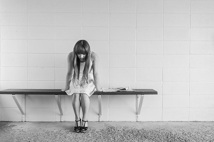 worried-girl-413690_1920_