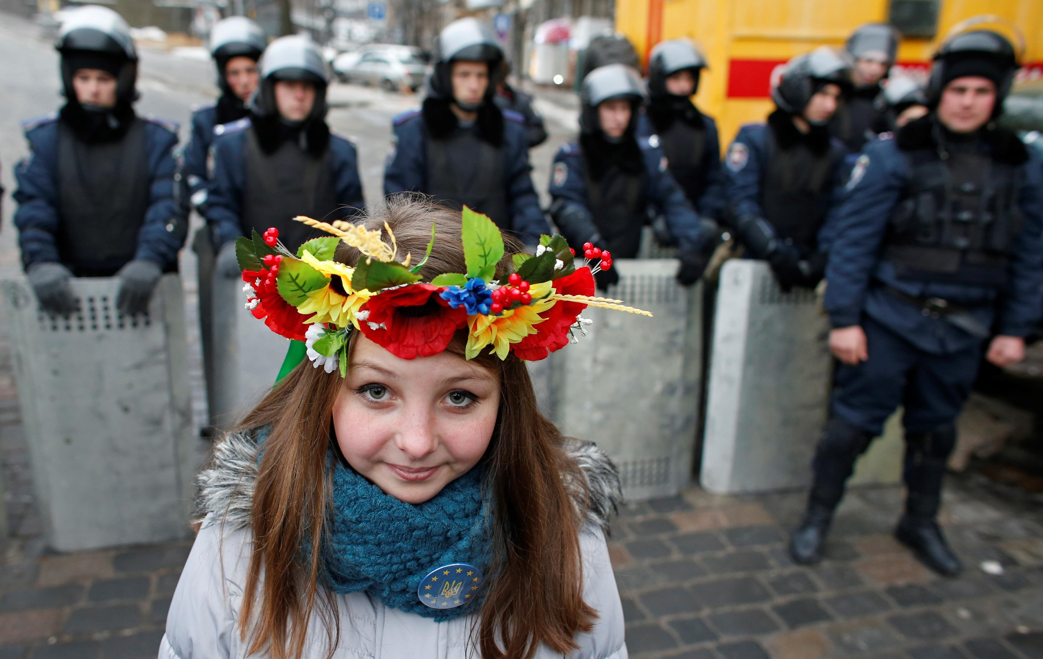 den-dostoinstva-i-svobody-2016-istoriya-i-tradicii5