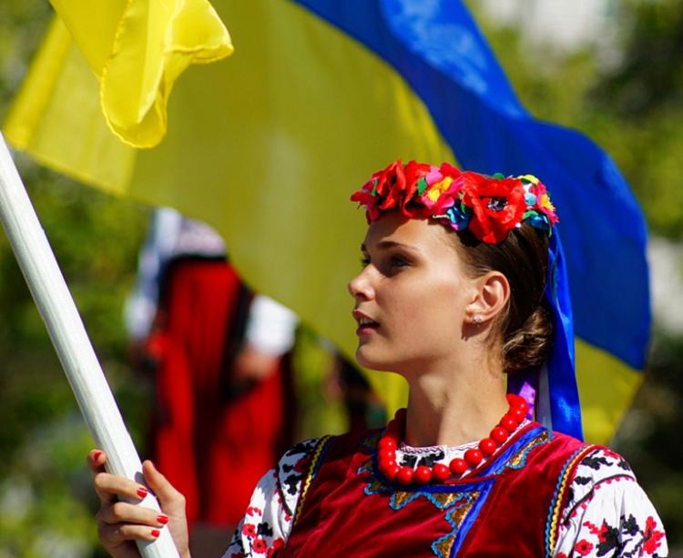 den-gosudarstvennogo-flaga-istoriya-i-tradicii4